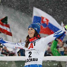 Petra, My Hero, Skiing, Influenza, Grande, Fictional Characters, Queen, Sports, Ski
