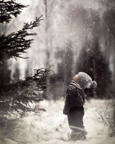 Sweet winter photo Winter Magic by Pernille Nygård on . Winter Szenen, Winter Love, Winter Magic, Winter Christmas, Christmas Trees, Winter Child, Norwegian Christmas, Magical Christmas, Winter Family Pictures