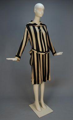 LADY'S STRIPED KNIT BEACH COAT, 1920's-1930's
