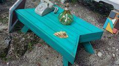 Mesa de pallets turquesa