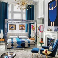 Art Deco boasts an inherent glamour, making it one of the decade's most iconic design styles. Here are our favorite Art Deco decor ideas for a bold bedroom. Art Deco Decor, Decoration, Interiores Art Deco, Art Deco Bedroom, Bedroom Decor, Bedroom Ideas, Bedroom Curtains, Bedroom Lamps, Cozy Bedroom