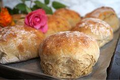 Bread Recipes, Vegan Recipes, Homemade Dinner Rolls, Danish Food, Piece Of Bread, Our Daily Bread, No Bake Desserts, Bread Baking, Bakery