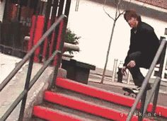 When this skateboarder knew when to sit back and relax: | 21 Times Quick Reflexes Saved The Day