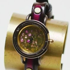 Dedegumo unique watches from Kyoto, Japan, feature wonderful handmade watches with unique designs full with the essence of Japan. Beautiful designs that combine a traditional steampunk / antique like style with a japanese style, while taking advantage of the modern mechanical parts of Seiko watches. The perfect gift for this Christmas or your anniversary!