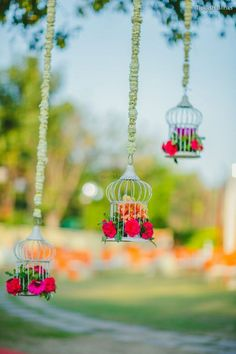 Looking for Hanging birdcage with floral arrangement? Browse of latest bridal photos, lehenga & jewelry designs, decor ideas, etc. on WedMeGood Gallery. Wedding Backdrop Design, Wedding Stage Decorations, Umbrella Decorations, Flower Decorations, Mehndi Decor, Mehendi, Wedding Arrangements, Floral Arrangements, Diwali Decoration Items