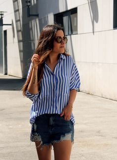 Striped shirt, ripped shorts & sneakers #style #summer