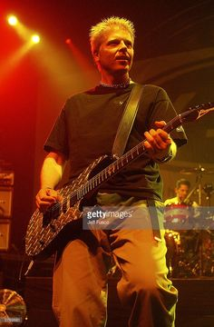 Dexter Holland of Offspring performs at the Tweeter Center on November 29, 2003 in Camden, New Jersey.
