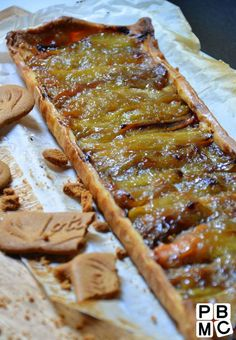 Tarte à la rhubarbe et spéculoos : le bon équilibre sucre-acidité ! | Papa Bosse et Maman Cuit
