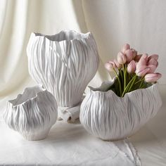 Piriform Set of 3 White Vases Includes 3 Shapes - Fascinating Cool Tips: Black Vases For Centerpieces small vases mason jars.Ceramic Vases With Flowers corner floor vases.Ceramic Vases With Flowers.Amazing and Unique Ideas Can Change Your Life Vase Centerpieces, Vases Decor, Wedding Centerpieces, Decor Wedding, Paper Clay, Clay Art, Pottery Vase, Ceramic Pottery, Vase Design