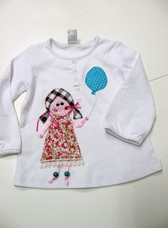 CAMISETA  NIÑA CON GLOBO by el.gallinero, via Flickr
