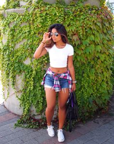 Learn how to style crop tops and hotpants in a casual yet classy way. Denim hotpants should be a summer staple in any girl's wardrobe - they're chic, versatile & the styling choices are endless!