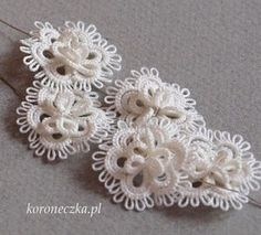 Tatting - Art Lace: Necklace with white lace