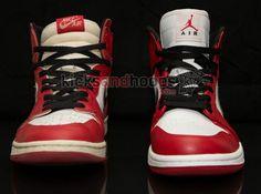 """Air Jordan 1 High Retro """"Bulls"""" – 1994 vs. 2013"""