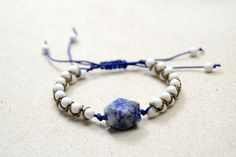 How to Make a Chinese-style Bracelet with 2 Strings for Beginners