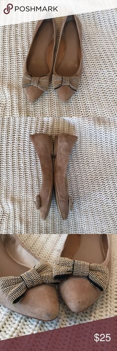 Banana Republic Breanna Bow Flat - size 7.5 Banana Republic Breanna Bow Flat - size 7.5 - suede shoe with metallic bow, super cute - has a mini Dot on one toe, which was there when I bought them, but you can barely see it! Great shoe! Banana Republic Shoes Flats & Loafers