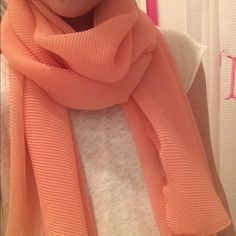 NEVER WORN peach scarf Peach colored scarf Accessories Scarves & Wraps