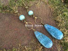longues boucles d'oreilles bohème bronze antique pierre d'agate et perles d'aigue marine : Boucles d'oreille par lilicat