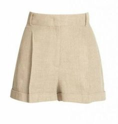 A borrowed from the boys look via Audrey Hepburn — we couldn't ask for more! Sewing Shorts, Linen Shorts, Cute Summer Outfits, Cool Outfits, Baby Dress Tutorials, Style Classique, Clothing Hacks, Blouse Vintage, Hot Pants