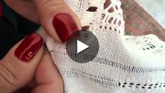 ponto bainha | Cantinho do Video Tambour Embroidery, Hardanger Embroidery, Embroidery Fashion, Cross Stitch Embroidery, Drawn Thread, Cutwork, Stitch Design, Filet Crochet, Chain Stitch