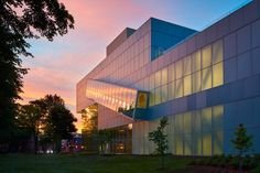 Pierre Lassonde Pavilion doubles the size of Quebec museum Oma Architecture, Truss Structure, Glass Curtain Wall, Steel Trusses, Rem Koolhaas, Glass Facades, New Museum, Quebec City, Exhibition Space