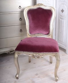 Przepiękne krzesło w stylu Rokoko / Royal Chair in Rococo Style Royal Chair, Rococo Style, Dining Chairs, Furniture, Home Decor, Vintage Armchair, Couches, Decoration Home, Room Decor