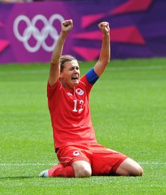 Christine Sinclair ( of the Canadian Women's National Team celebrating the game winning goal in the London 2012 Olympic Bronze Medal match. Love the raw emotion. Play Soccer, Soccer Stuff, Soccer Girls, Men's Basketball, Hockey, Canada Soccer, London Summer Olympics, Berlin, Thing 1