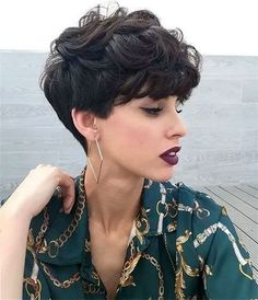 21 snazzy short layered haircuts for women short hair 2019 17 21 snazzy short layered haircuts for women short hair 2019 17 VexaLee Home DecorFashionDIY 038 Craft Ideas vexalee Female Hairstyles nbsp hellip hair women Layered Haircuts For Women, Short Hair Cuts For Women, Short Textured Haircuts, Layered Curly Hair, Short Curly Hair, Wavy Pixie Cut, Short Hair Model, Wavy Hair, Curly Hair Styles