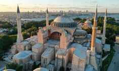 ΑΓΙΑ ΣΟΦΙΑ: Ένας χρόνος από την απόφαση Ερντογάν για μετατροπή του ιστορικού Χριστιανικού Ναού σε τζαμί - Ορθοδοξία News Agency Hagia Sophia, Taj Mahal, Real Life, History, Architecture, Building, Travel, Istanbul Turkey, Engineer