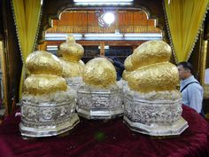 Hpaung Daw Oo Pagoda, Inle Lake
