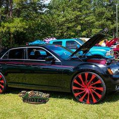 Tag owner.  Chrysler 300 on @starrwheel #stuntfest #stuntworldusa #stuntfest2k16 #300 #bigrims #Chrysler #300 #hemi #starrwheel #MRHD
