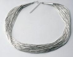 colar de prata com 25 fios de canutilho