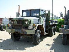 Camion de charge 2 x 6 tonnes de la série - Wikipedia 6x6 Truck, F150 Truck, Lifted Chevy Trucks, Gmc Trucks, Fort Sam Houston, Canadian Army, Detroit Diesel, Bug Out Vehicle, Military Guns