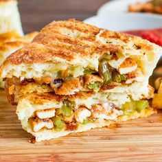 Chicken Fajita Sandwiches – turn an old favorite into a gourmet sandwich. Forget your old regular sandwich, and try this amazing sandwich! Gourmet Sandwiches, Delicious Sandwiches, Sandwich Recipes, Sandwich Ideas, Quesadillas, Tostadas, Burritos, Great Recipes, Favorite Recipes