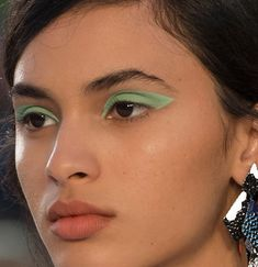 mint green eyeshadow or is it pistachio?