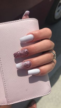 Long square nails are popular with many girls. But you have to be patient because it takes time to get enough length so that you can trim your long square nails. If you like long square nails, you& in the right place. Gold Nail Designs, Square Nail Designs, Colorful Nail Designs, Different Nail Designs, Pedicure Designs, Aycrlic Nails, Cute Nails, Pretty Nails, Cute Fall Nails