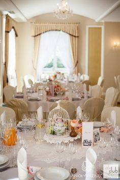 10. Alice in Wonderland Wedding,Centerpieces,Vintage,Birdcage,Flowers of tea cup / Alicja w Krainie Czarów,Dekoracja stołu,Anioły Przyjęć