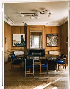 Inside a Superchic Parisian Aerie Designed by Isabelle Stanislas | Architectural Digest Architecture Restaurant, Interior Architecture, Architecture Details, Architectural Digest, French Interior, Home Interior Design, Parisian Decor, Paris Apartments, Living Room White