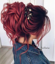 hair ideas Bridesmaid hair styles are big in number, and it is not that easy to make a choice. Cute Hair Colors, Hair Dye Colors, Cool Hair Color, Pretty Hairstyles, Red Hairstyles, Updo Hairstyle, Wedding Hairstyles, Bridesmaid Hair, Hair Dos