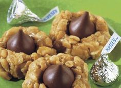 Try this Krunchy KISSES Cookies recipe, made with HERSHEY'S products. Enjoyable baking recipes from HERSHEY'S Kitchens. Bake today.