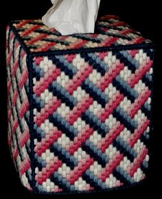 CRISS-CROSS PATTERN Tissue Box Cover  Boutique Size