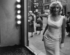 """Marilyn Monroe on the cover of """"Sam Shaw"""" by Lorie Karnath. Hardcover English language book published in Germany, Marilyn Monroe Fotos, Marylin Monroe Body, Lorie, White Halter Dress, Norma Jeane, New York, Old Hollywood, Mannequin, Divas"""