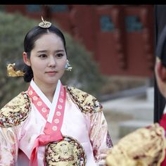 "Hanbok, the traditional Korean dress: From the historical TV drama ""The Moon Embracing The Sun"""