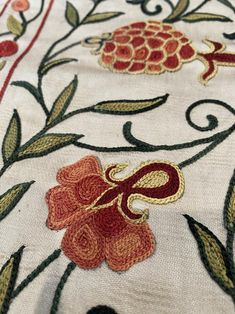 Tambour Embroidery, Embroidery Dress, Embroidery Art, Machine Embroidery, Pillow Fabric, Pillows, Table Throw, Silk Thread, Fabric Design