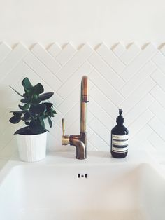 Cheap And Easy Diy Ideas: Chevron Tile Backsplash backsplash behind stove grout.Country Backsplash Home tan subway tile backsplash. Bathroom Inspo, Bathroom Inspiration, Bathroom Ideas, Bathroom Taps, Simple Bathroom, Bathroom Splashback, Modern Bathroom, Modern Sink, Bathroom Back Splash Ideas