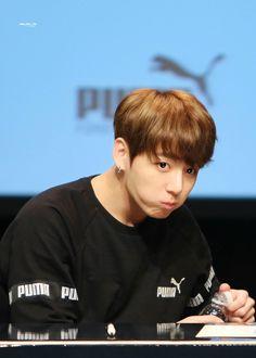 Jungkook❤ BTS PUMA Fansign (170304) #BTS #방탄소년단