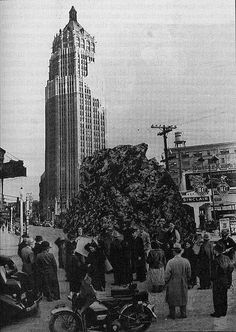 This picture of what looked like meteor damage to the Tower Life Building was published in the SA Light on 4.1.1938.. it was really an April Fool's Joke