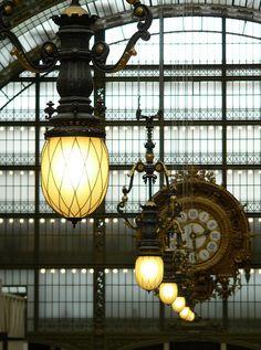 Parigi - Orsay Museum by Bardazzi Luca Tour Eiffel, Monet, Living In La, Overhead Lighting, Museum, Street Lamp, City Lights, Street Lights, Fotografia