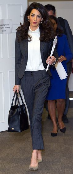 Amal Clooney always looks chic! Business Outfit Frau, Business Outfits, Business Fashion, Business Attire, Business Casual, Business Professional, Business Formal Women, Business Style, Summer Professional
