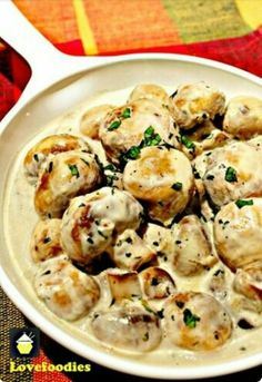 Amazing cream of garlic mushrooms