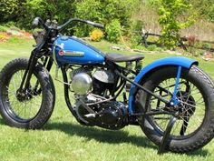 1949 Flat Tracker This is a recreation of a 1949 Harley WR Flat Tracker. There are no original WR parts on this bike, it was built from a regular WL 45 cubic inch Flathead with Genuine Harley and. Harley Davidson Wla, Classic Harley Davidson, Harley Bobber, Bobber Chopper, Flat Track Racing, Bike Builder, Flat Tracker, Oldschool, Custom Harleys